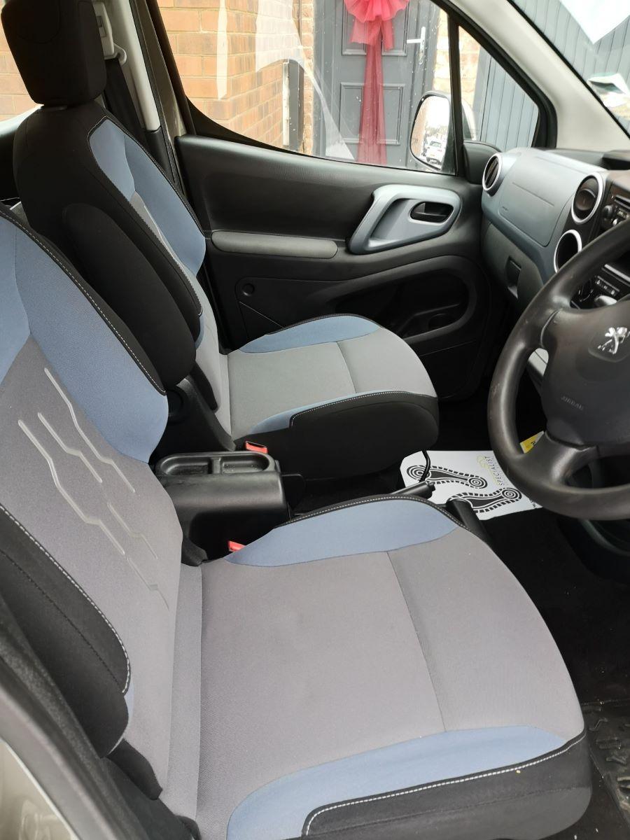 car-front-seats-desk.jpg